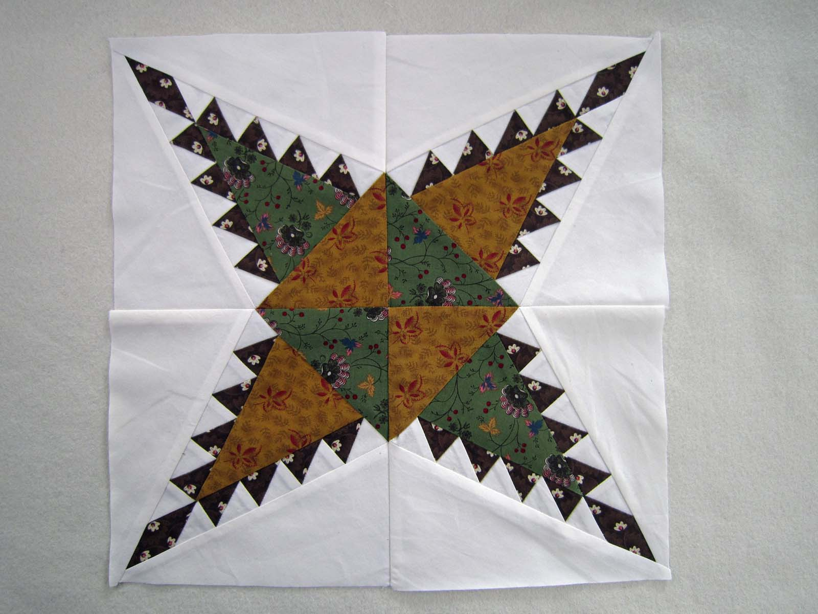 Pine Burr | Quilt around the World